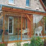 seitliche Holz-Verkleidung mit Glas-Schiebeflügel 2012/1